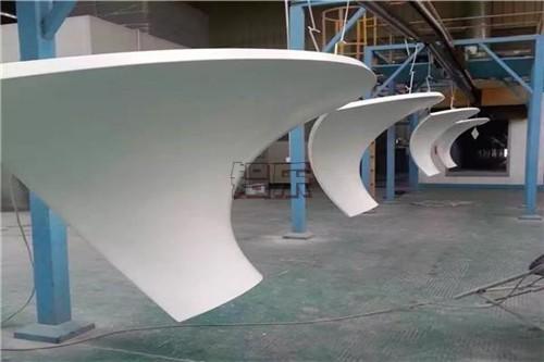 告诉你如何定购一个好的双曲铝单板制造商